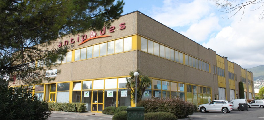 For rent Industrial Premises 308 m2 – Plan de Grasse
