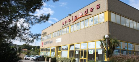 For Rent Office 83 m2 Grasse
