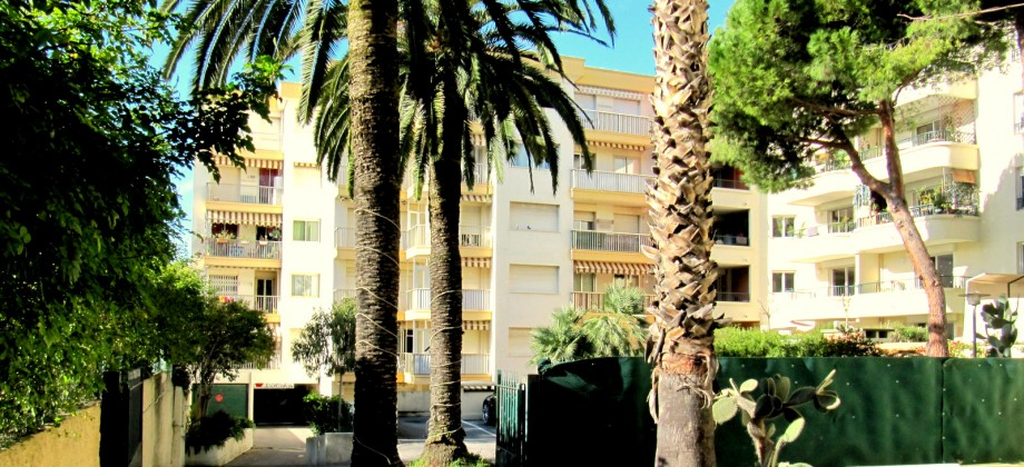 A VENDRE APPARTEMENT 3 PIECES ANTIBES